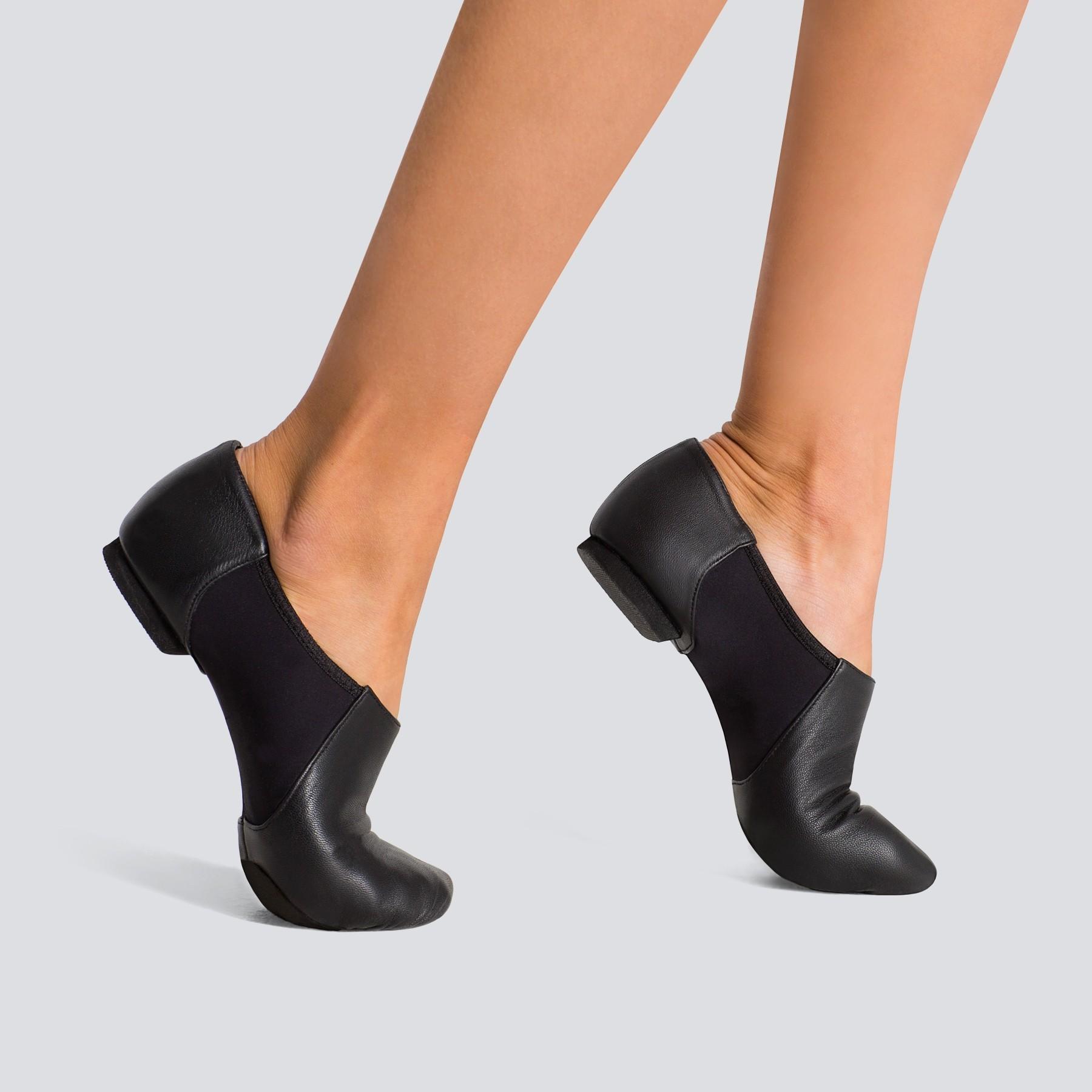 Capezio Wonder Jazz Shoe (Black)